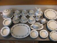 NORITAKI TEA AND DINNER SERVICE