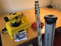 Leica dumpy construction optical level, tripod and staff