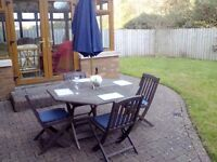 teak wooden garden table / chair / parasol