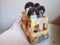 Sulvanian Families Hedgehog family and Nursery bus.