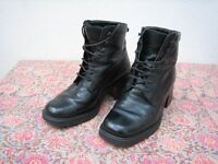 Italian black leather boots - size 4 (Europe 37)