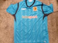 HULL CITY AWAY SHIRT NEW CONDITION SIZE LARGE