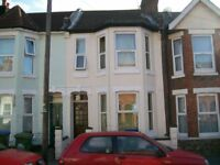 Rooms In Shared House House, Thackery Rd, Available NOW