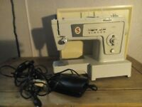 Singer Electric Sewing machine model 438