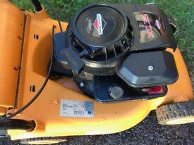 Briggs & Stration self propelled petrol lawnmower