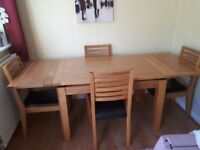 Oak extending Table with 4 chairs