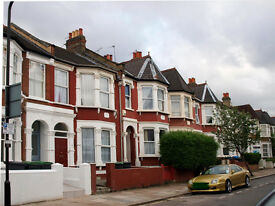 Studio / 1 bed flat to rent, 5 min to Turnpike Lane, top floor flat
