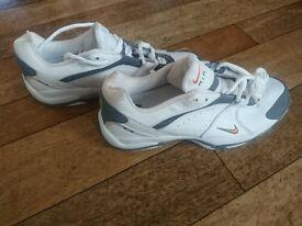 Nike Air tennis trainers UK8.5