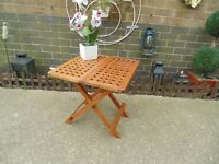 SOLID WOOD FOLD UP SIDE TABLE IN EXCELLENT CONDITION 50/50/50 cm £10