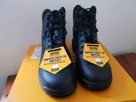 Magnum boots uk size 7