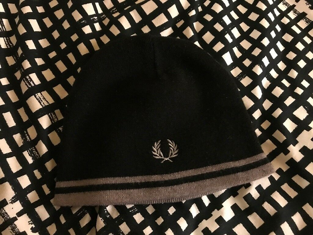 03563a98db9fe Fred Perry winter hat (black grey