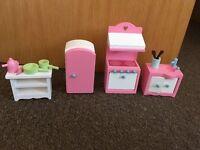 Rosebud dolls house furniture full set