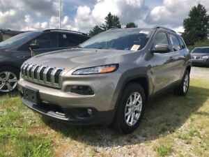 2017 Jeep Cherokee North/ 4x4 / 3.2L Pentastar VVT V6 engine w/E