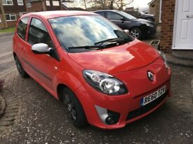 Red Renault Twingo 2010 1.2 16v I-Music 3dr