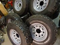 set of 5 LANDROVER /RANGE ROVER wheels with chunky 235 85 16 OFF ROAD MUD & SNOW TYRES AS NEW £250