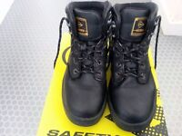 Women's safety shoes size 6 good condition
