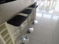 5x Black kitchen bar stools