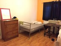 GOOD SIZE TWIN/DOUBLE ROOM in FULHAM ....£180 pw (bills inc)