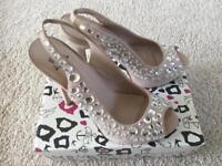 Ladies shoes size 7 by Miss KG