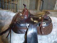 Freeform saddle