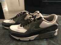 Boys Nike airmax size 3.5 good condition