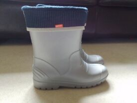 SILVER WELLIES CHILD SIZE 3