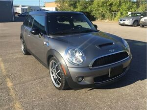 2009 MINI Cooper Clubman S / WITH LEATHER SEATS & PAO ROOF