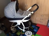 Lovely pram 3in1, very solid and perfect conditions!!