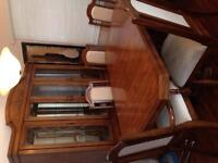 Table, 6 chairs & hutch with buffet