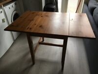 Extendable Dining Table (Fits 2-8)