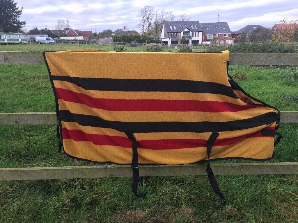 Lovely Brand New stable / travel rug Size 5'9 £20