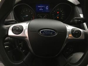 2013 Ford Focus SE HEATED SEATS CLEAN CAR PROOF Windsor Region Ontario image 15