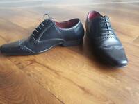 Men's black shoes