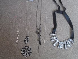 5 x necklaces