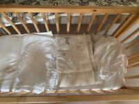 Rocking / static crib and mattress