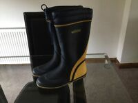 Sailing boots size 42 almost brand new