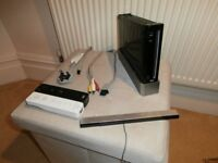 NINTENDO Wii WITH TWO CONTROLLERS, SENSOR BAR AND LEADS
