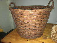 Appealing Fireside Fire Place Large Country Wicker Log Basket with Carrying Handles