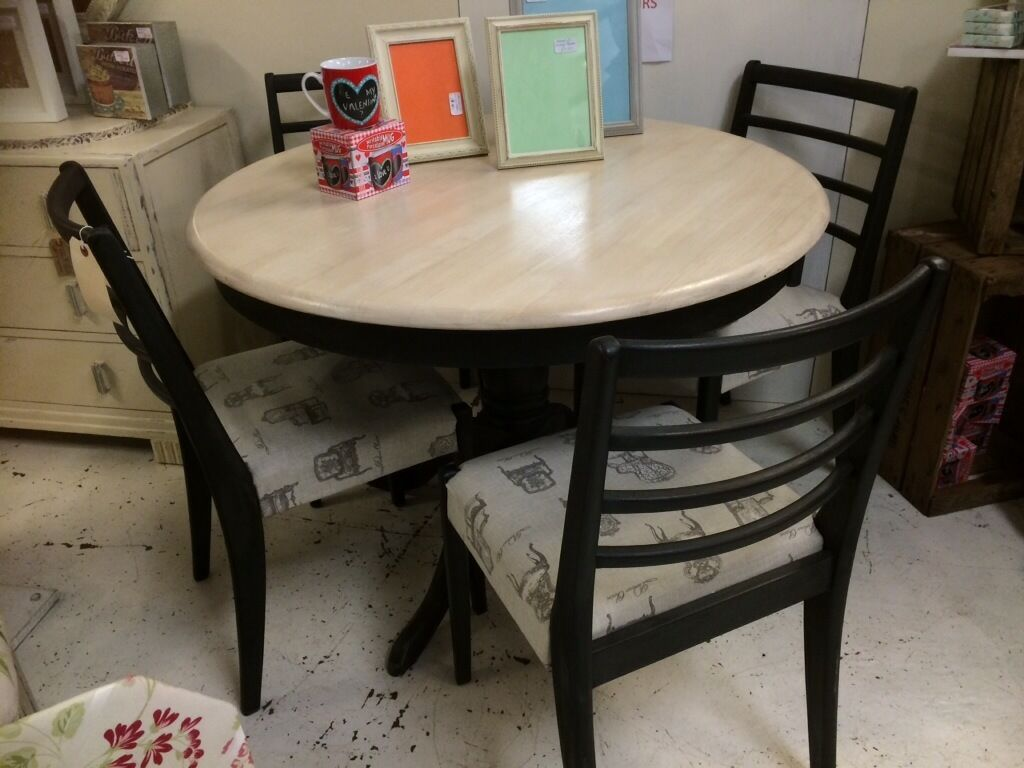 Beautiful shabby chic round table buy sale and trade ads - Garden furniture kings lynn ...