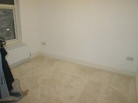 **ROOM TO LET*NEW ON**ALL BILLS INCLUDED**NO DSS**PERFECT FOR A PROFESSIONAL**CALL NOW*YARDLEYWOOD*