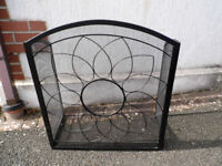 Manor Sunflower 1789 3-fold fire gaurd - never used.