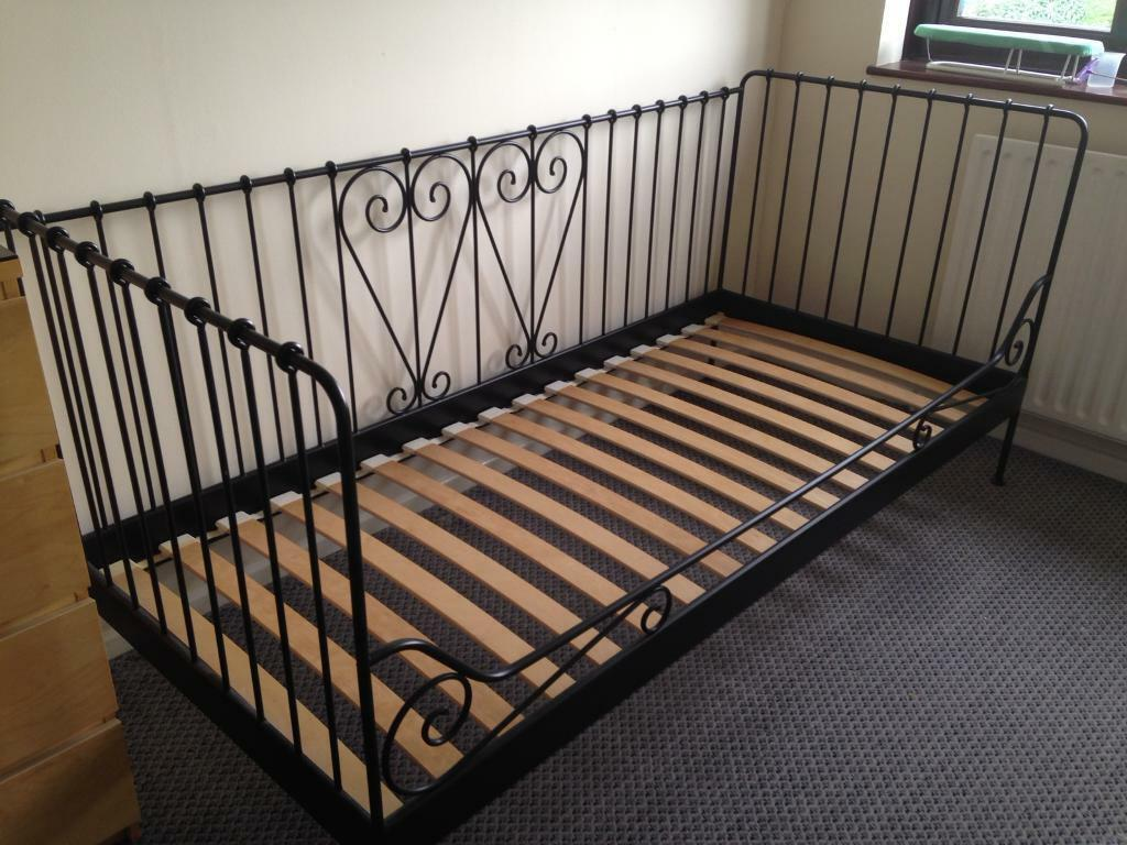 Black Ikea Daybed MetalIn MuxtonShropshire Meldal Gumtree Single TJlKcF1