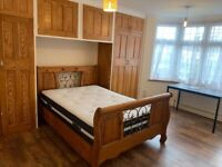 Studio to rent Palmers Green all bills included