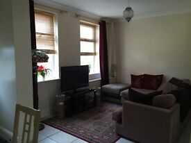 2 bed unfurnished terrace to rent in York. £700 per calender month