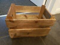 Wooden centre piece crates