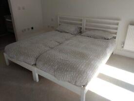 2 bed frame + 2 matress+ 2 duvets+ bed´s lines