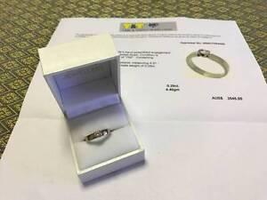0.29 round diamond, 18 KT white gold ring. Valuation $3,545.00 East Victoria Park Victoria Park Area Preview