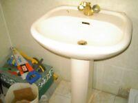 c/c toilet and washbasin