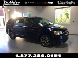 2017 Dodge Grand Caravan SXT Premium Plus 29P | STOW N GO | REAR