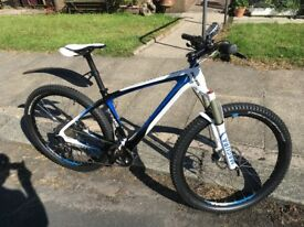 Carbon Mountain Bike,3x11 speed,XT Drive System,XT Hydralics,Magura Forks,Custom High end Components